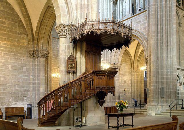 640px-Chaire_de_la_cathédrale_Saint-Pierre,_Genève
